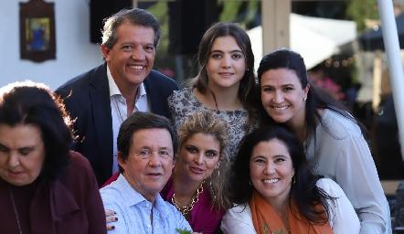 Los Lebrija y los López.