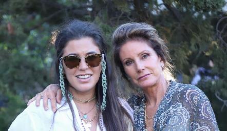 Sofía y Lourdes López.