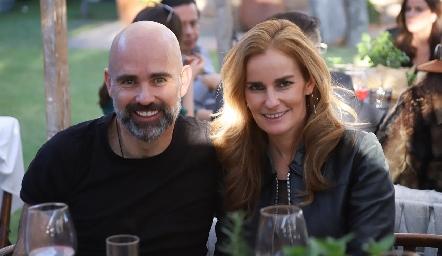 Leopoldo de la Garza y Lorena Quiroz.