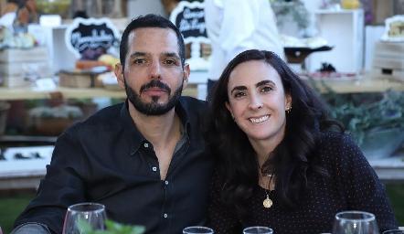 Armando Gutiérrez y Regina Ibáñez.