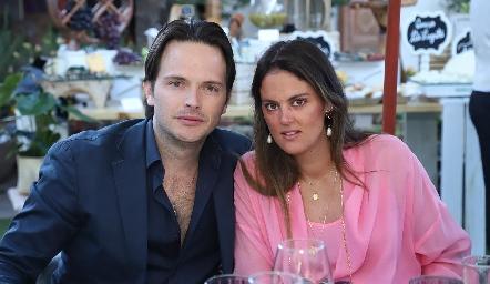 Tito Herrera y Melissa Ruiz.