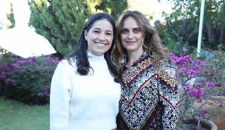 Martha Morales y Viviana Navarro.