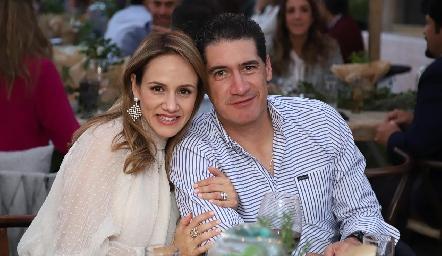 Alejandra Salas y Amadeo Calzada.