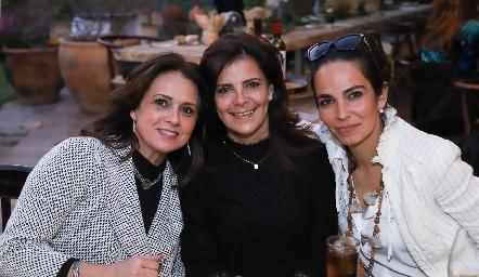 Maru Martínez, Patricia Silos y Malena Villasuso.