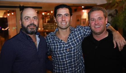 Jeppo Mahbub, Rafael Lebrija y Juan Benavente.