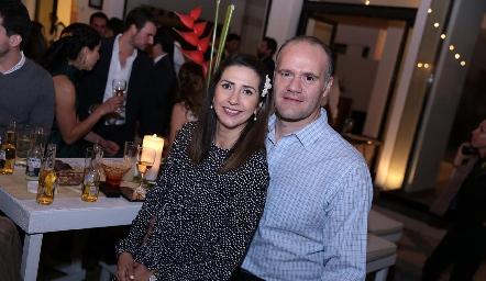 Rosy Loredo y Gabriel Lomelí.
