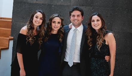 Paloma, Ana Gaby, Federico y Miriam Díaz Infante Meade.