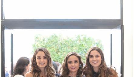 Las hermanas Paloma, Ana Gaby y Miriam Díaz Infante Meade.