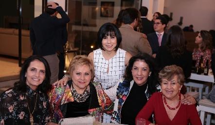 Gabriela Meade, Lucy Lastras, Teresa Guerrero, Tere Ramírez y TaquisReyes.