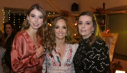 Isa Gaviño, Priscila Guzmán y Charo Valladares.