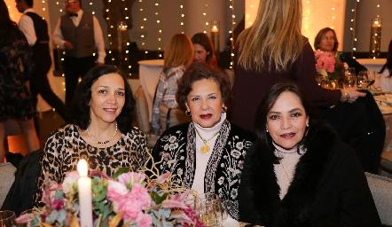 Maricarmen Duque, Teresa Velasco y Lucía Betancourt.