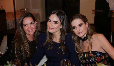 Begoña Muriel, Ximena Navarrete y Miriam Huber.