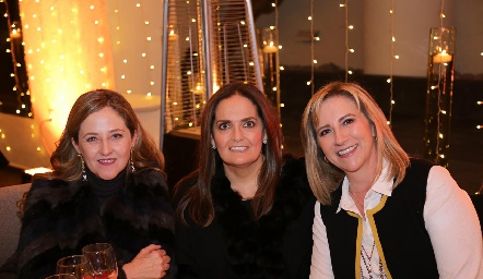 Lourdes Gutiérrez, Gabriela Villanueva y Maru Bárcena.
