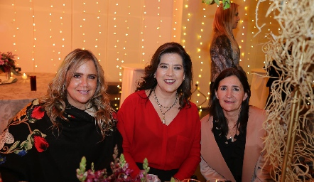 Ana Clara Bárcena, Kinkis Galán y Marcela Valle.