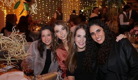 Paola Martínez, Isa Gaviño, Montse Anaya y Javiera Gómez.