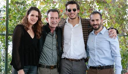 Jessica, José, Benjamín y José Martín Alba.