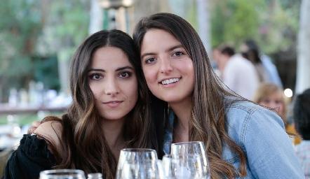 Daniela Torres y Gabriela González.