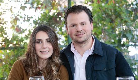 Angie Padrón y Rodrigo Díaz de León.
