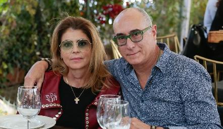 Claudia Anaya de Oliva y Jaime Oliva.