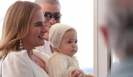 Patricia Del Bosque con su nieto Daniel.
