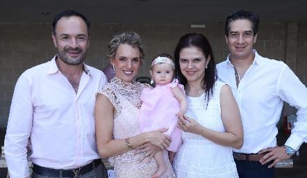 Eduardo Ramos, Priscila González, Emma, Cecilia Ponce y César Ramos.