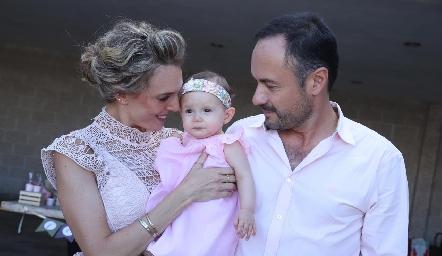 Priscila, Emma y Eduardo Ramos.