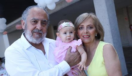 Alfonso Díaz de León, Emma y Rosana Benavente.