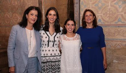 Tere Ramírez, Paulina Torres, Paola Córdova y Carmen Echeveste.