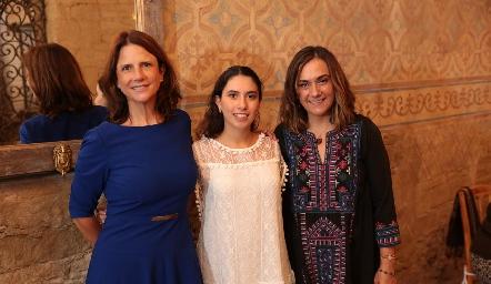 Carmen Echeveste, Paola Córdova y Gaby Bárcena.