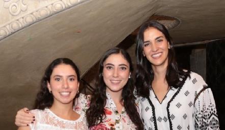 Paola Córdova, Isa Zollino y Paulina Torres.