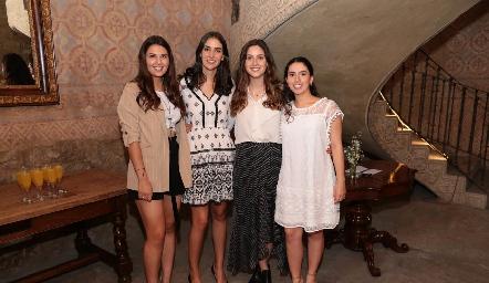 Daniela Villanueva, Paulina Torres, Miriam Díaz Infante y Paola Córdova.