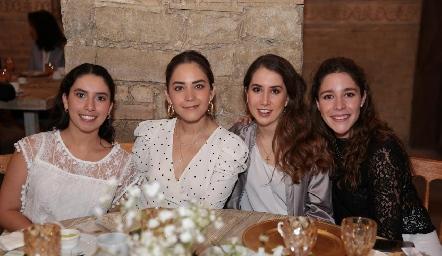 Paola Córdova, Bárbara Mahbub, Mónica Torres y Lore de la Parra.