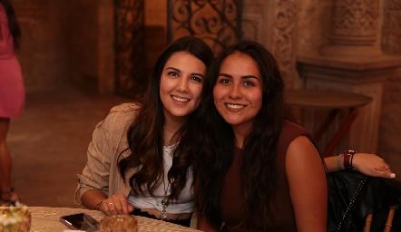 Diana Villanueva y Daniela Estrada.