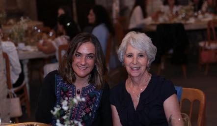 Gaby Bárcena y Rebeca Mendizábal.