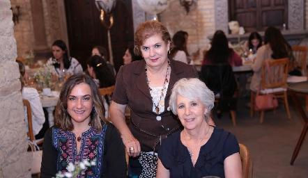 Gaby Bárcena, Chayo de González y Rebeca Mendizábal.