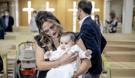 Martina con su madrina Cuque Valle.