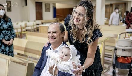 Cuque, Héctor y Martina Valle.