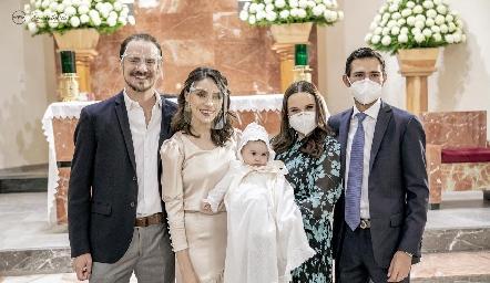 Pato, Adri y Martina Valle, Mayte Soberón y Andrés Allende.