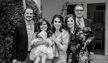 Pato Valle, Paty Silos, Martina, Adri, Ana Paty y Salvador de la Maza.