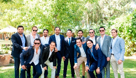 Barra Meade con sus amigos.