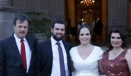 Arturo Zapata, Arturo Zapata, Andrea Díaz Infante y Bertha Navarro de Zapata.