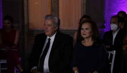 Antonio Díaz Infante y Alicia Dávila de Díaz Infante, papás de la novia.