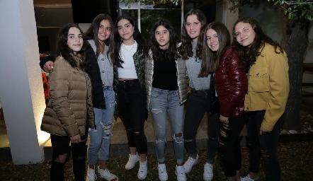 Camila, Mía, Andrea, María, Kamila, Anna Astrid y Luciana.