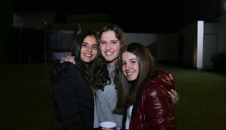 Mía, Kamila y Anna Astrid.