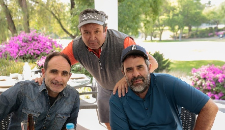 Juan Carlos, Humberto y Fernando Abaroa.