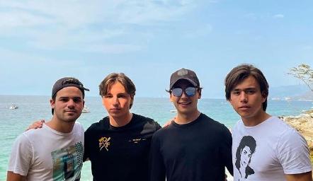 Jero Gómez, Rodrigo Navarro, Miguel Tobías y Oscar Ruiz.