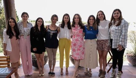 Bárbara Portales con sus mejores amigas.
