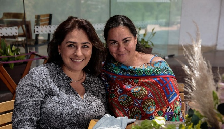Anabel Ávila y Alejandra Díaz de León.