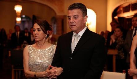 Lucía Rangel de González y Arturo González.