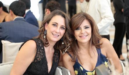 Gloria Martínez y Paty Silos.